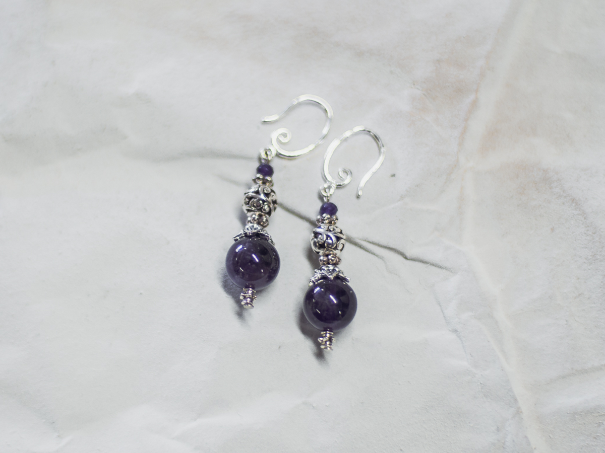 Single earrings №2 with amethysts