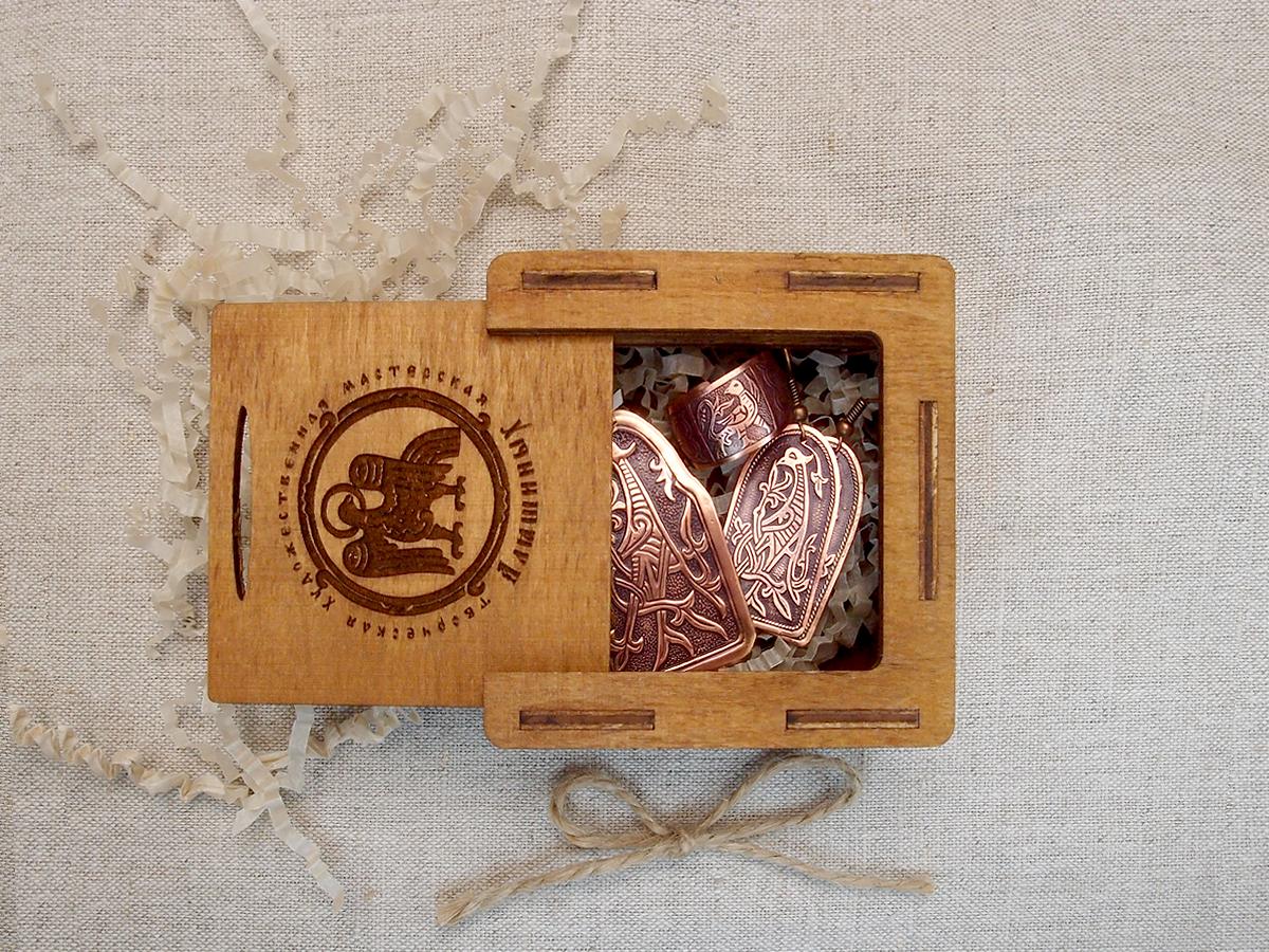 """Jewelry set """"Kiev bird"""" in a gift box."""