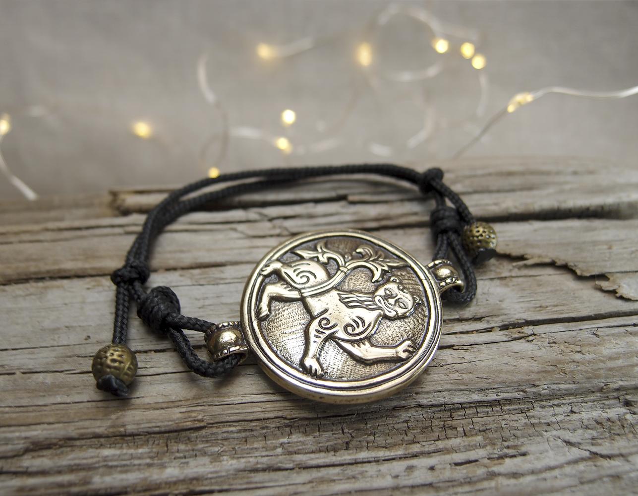 Браслет-шнурок «Могучий лев»
