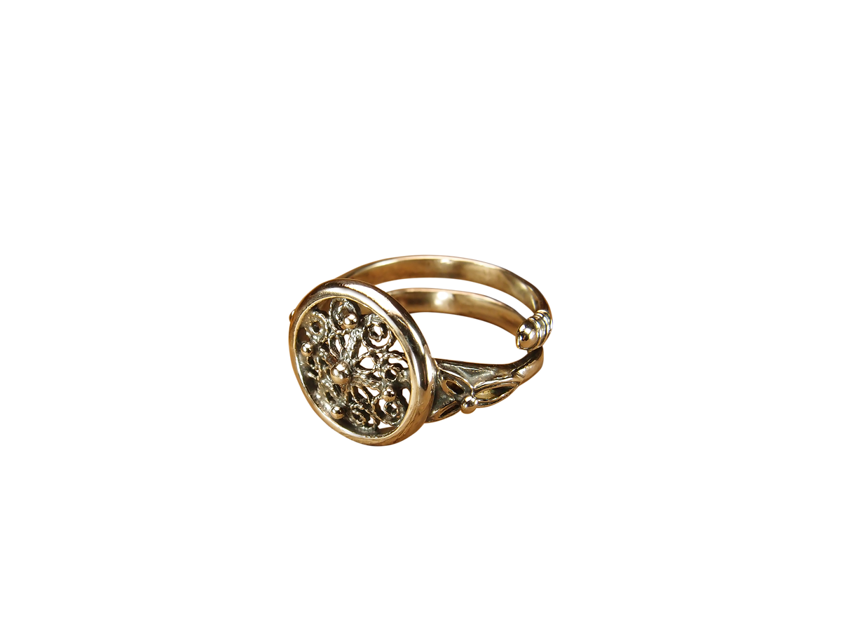 "Ring ""Daisy"""